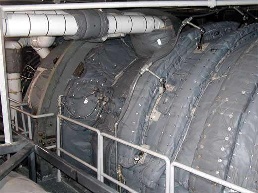 What are the advantages of detachable insulation for pipes with large amount of steam