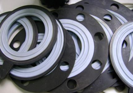 What problems should be considered when selecting high temperature gasket for flange in power industry?